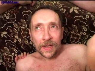 Порно видео молодых девушек, которые трахаются со своими парнями на камеру дома у парня